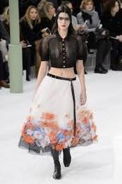 Chanel saia com flores.jpg