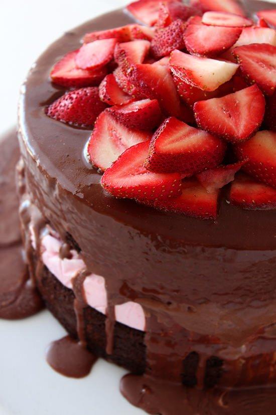 Chocolate-Covered-Strawberry-Ice-Cream-Cake-02.jpg