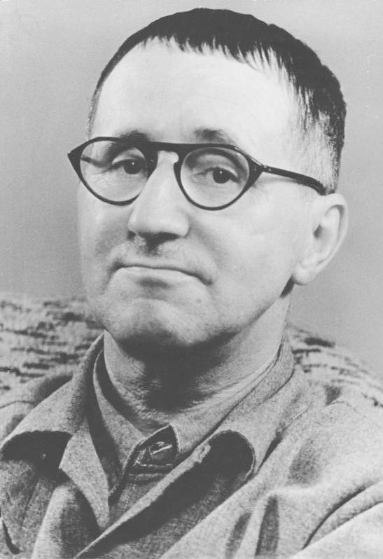 Bertolt Brecht_1931.jpg