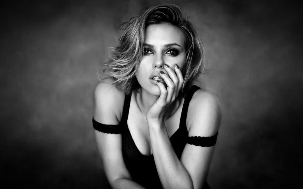 ScarlettJohansson90.jpg